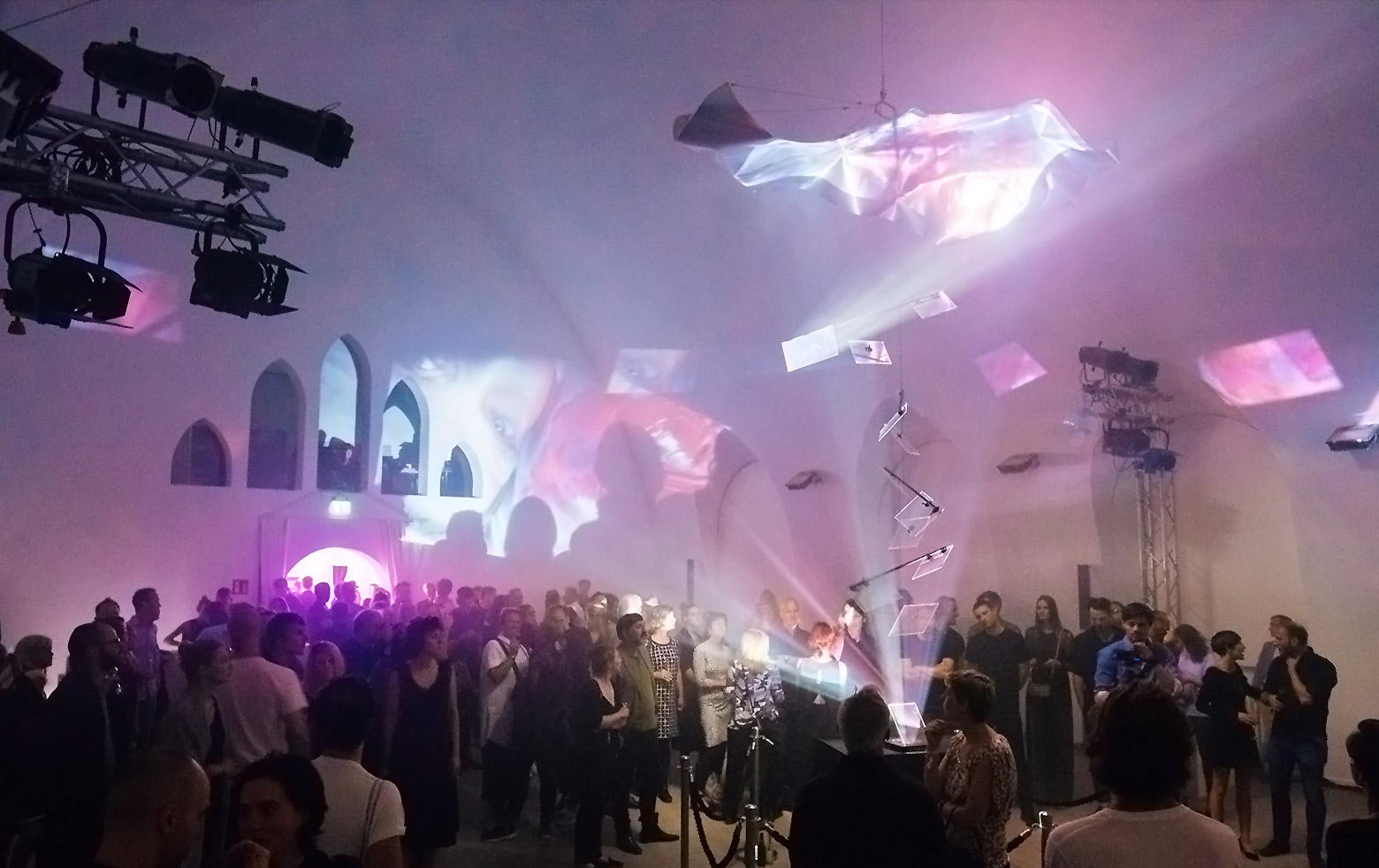 """X-Fragments"": Art Video projected through beam splitters"