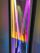 """Informationen zur Ausstellung mit dichroitischem Glas """"Licht wird Farbe"""""""